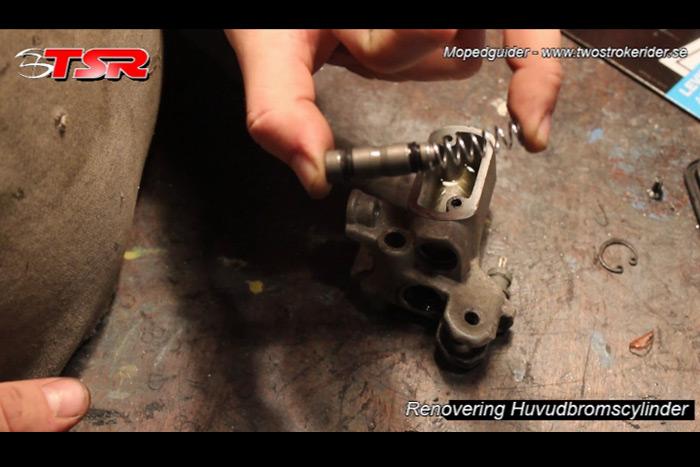 guide huvudbromscylinder - bild 8
